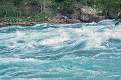 Abaissez le fleuve de Niagara, Ontario Canada Photo stock