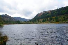 Abaissez le lac, Glendalough, Irlande Photographie stock