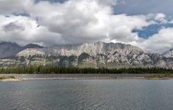 Abaissez le lac Kananaskis Photographie stock libre de droits