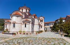 Abaissez le monastère de Panagia Xenia, Thessalie, Grèce Photos stock