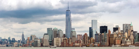 Abaissez le panorama de Manhatta NYC Images stock