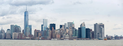 Abaissez le panorama de Manhatta NYC Image stock