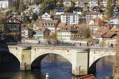Abaissez le pont en porte à Berne Photos stock