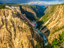 Abaissez le stationnement national de Yellowstone d'automnes Images stock
