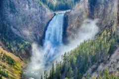 Abaissez les automnes dans Grand Canyon du Yellowstone Image libre de droits
