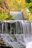 Abaissez les automnes de moulin Image libre de droits