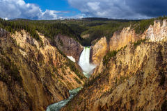 Abaissez les automnes du Yellowstone de l'artiste Point Photos libres de droits