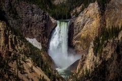 Abaissez les automnes du Yellowstone de l'artiste Point Images libres de droits