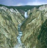 Abaissez les automnes du Yellowstone - Yellowstone N P Photographie stock libre de droits