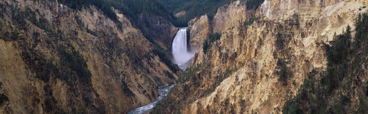 Abaissez les automnes en stationnement national de Yellowstone, WY Photo stock