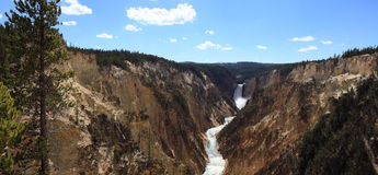 Abaissez les automnes, parc national de Yellowstone Photographie stock