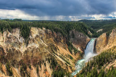 Abaissez les automnes, Yellowstone Image stock
