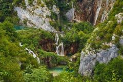 Abaissez les cascades dans Plitvice, Croatie Photos libres de droits
