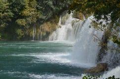 Abaissez les cascades, parc national de Krka, Croatie Photo stock