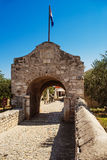 Abaissez les portes dans Nin, Croatie Images stock