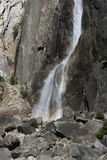 Abaissez Yosemite Falls la Californie Images stock