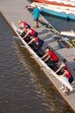 Abaixando um escudo no rio. Imagens de Stock Royalty Free