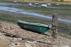 Abaixe a praia de Halstow em Kent imagem de stock royalty free