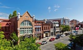 Abaixe a rua de Yates, Victoria, BC, Canadá foto de stock royalty free