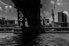 Abaixo do trajeto de Manhattan Fotos de Stock Royalty Free