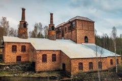 Abajo cerrada acería vieja en Suecia Foto de archivo libre de regalías