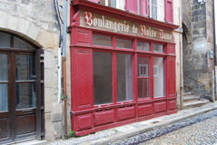 Abajo cerrada tienda del pan en Francia Foto de archivo
