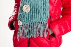 Abajo chaqueta y bufanda de lana Imagenes de archivo