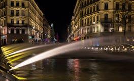 Abajo ciudad Lyon Francia por la noche 2 Imágenes de archivo libres de regalías