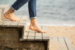 Abajo de las escaleras a la playa Imagen de archivo libre de regalías