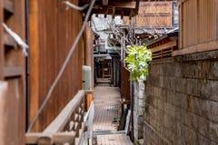 Abajo del callejón en Yamanouchi Imagen de archivo