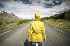 Abajo del camino es la manera Imagen de archivo