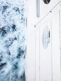 Abajo del casco en el mar Imagenes de archivo