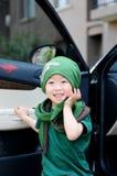 Abajo del niño pequeño elegante del coche Imagen de archivo libre de regalías