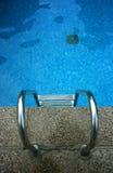Abajo en la piscina Foto de archivo libre de regalías