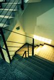 Abajo escaleras Fotografía de archivo libre de regalías