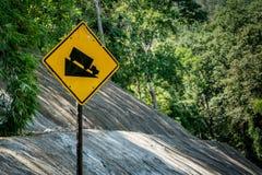 Abajo señal de tráfico de la colina Imagen de archivo libre de regalías