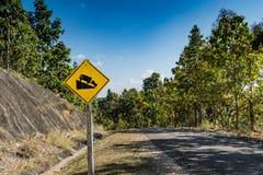 Abajo señal de tráfico de la colina Foto de archivo libre de regalías
