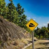 Abajo señal de tráfico de la colina Fotografía de archivo