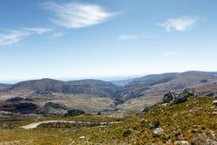 Abajo vamos - reserva de naturaleza de Swartberg Fotos de archivo