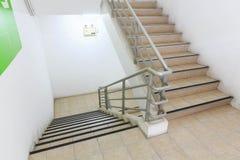 Abajo y suba las escaleras Fotografía de archivo libre de regalías