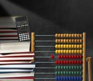 Abakus-Bücher und Taschenrechner Lizenzfreies Stockfoto