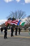 Abanderados del desfile del día del St Patrick Imagen de archivo