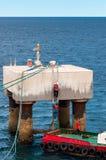 Abandona el cable del amarre de una nave Foto de archivo libre de regalías