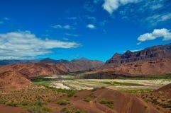 Abandona paisajes de los cochas de los las de Quebrada, la Argentina del norte Imágenes de archivo libres de regalías