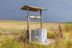 Abandonado bien en el campo Foto de archivo libre de regalías