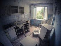 Abandonado completamente en Pripyat, zona de Chernóbil fotos de archivo