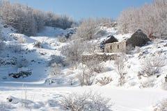 Abandonado en la nieve Imágenes de archivo libres de regalías