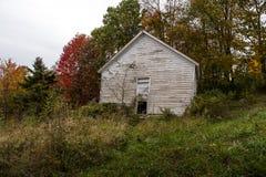 Abandonado una escuela del sitio - montañas de Virginia Occidental Imagen de archivo libre de regalías