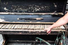 Abandond钢琴 免版税库存照片
