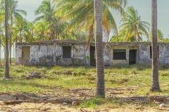 Abandonded construisant Porto Galinas Brésil Image libre de droits